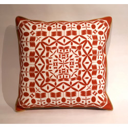 Mandala rojo cushion