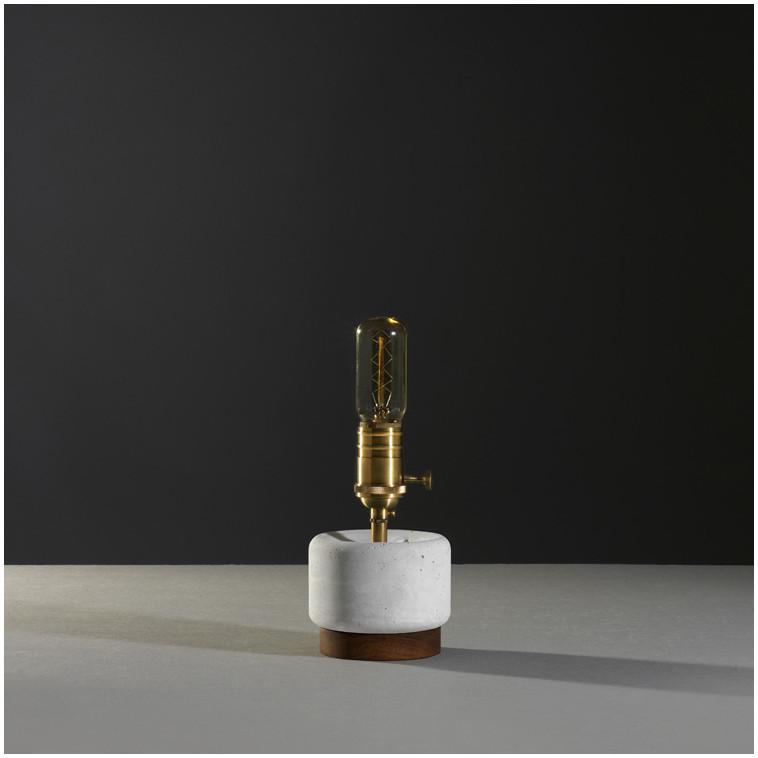lampara  de sobre mesa CONCRETO S