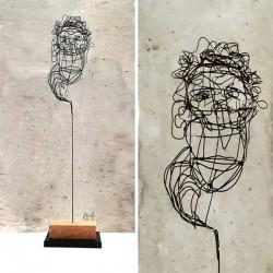 Escultura Visage 05, escultura de alambre de A. Twose