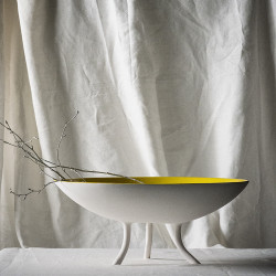 BOWL WITH FEET table centre piece