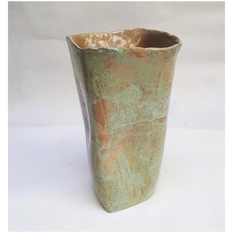 IRREGULAR R vase