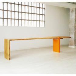 OAKS MEETS ORANGE table