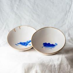 NUBE bol, cuenco decorado con una nube azul y borde dorado